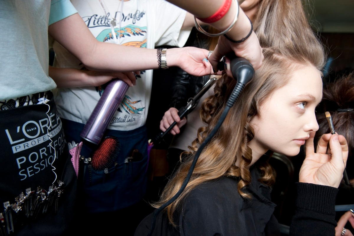 How To: Curl Your Hair Like A Pro
