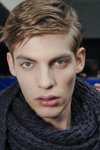 dior-homme-mens-backstage-autumn-fall-wter-2012-pfw21