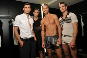 01 Andre Ziehe Backstage Dolce Gabbana SS11 02