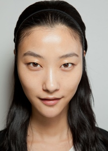 pfw-spring-beauty-oily-skin